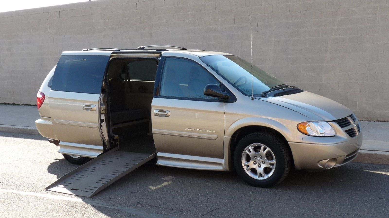 2006 Dodge Grand Caravan Accessibility Van Braun Entervan 2006
