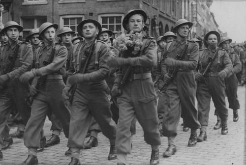 The first Polish Armoured Division on parade.