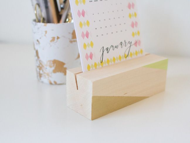 How To Make A Reusable Wooden Desk Calendar Base Diy Ideas