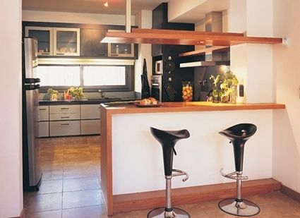 C mo separar visualmente la cocina del comedor cocina for Dividir cocina comedor