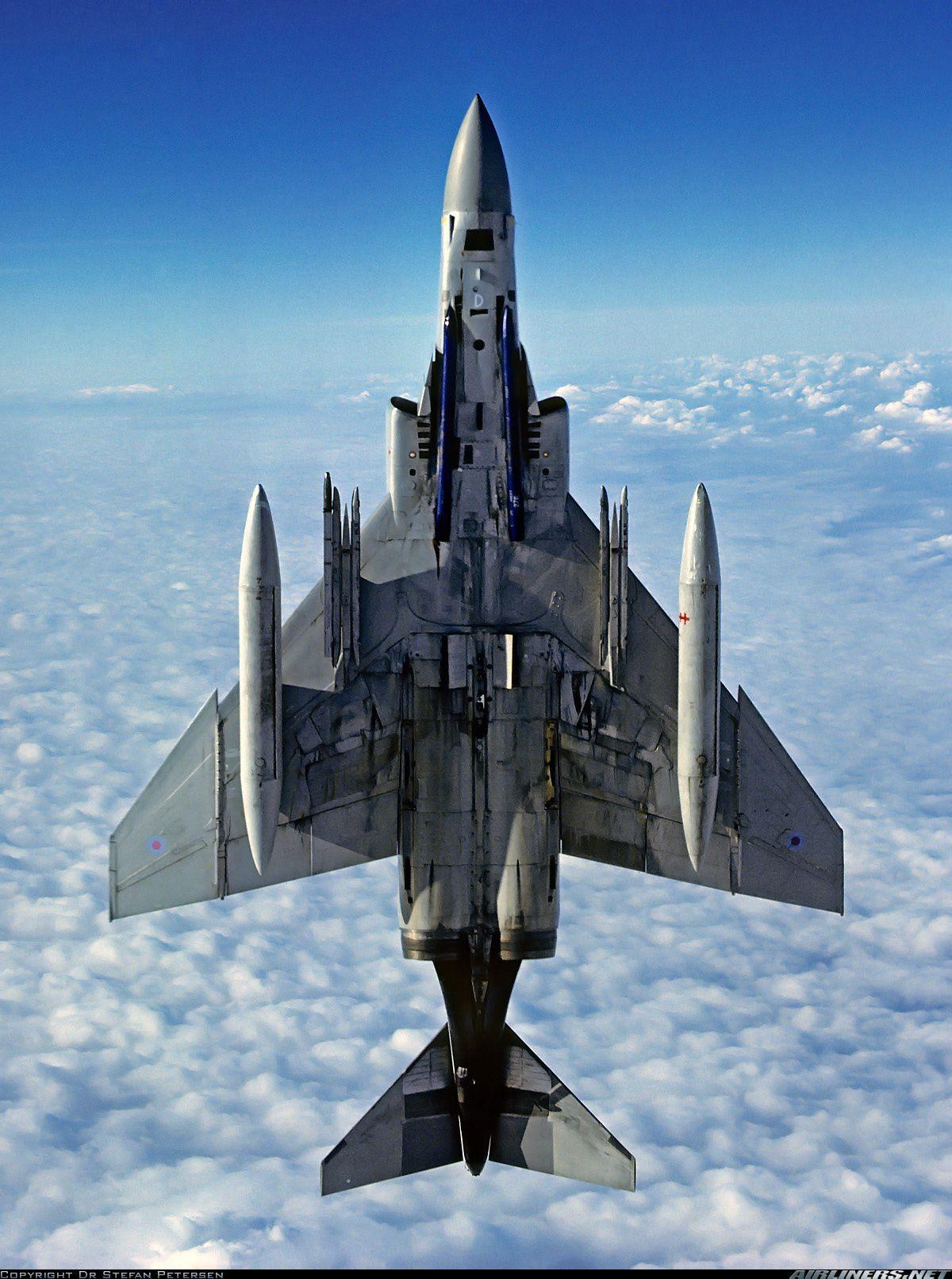 Air Force McDonnell Douglas F-4M Phantom FGR2 V421