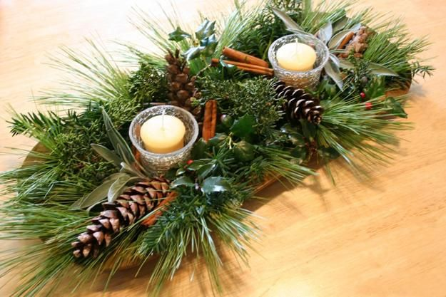 15 Green Christmas Strategies For Holiday Home Decorating In Eco Style Winter Wedding Centerpieces Winter Centerpieces Natural Christmas Decor