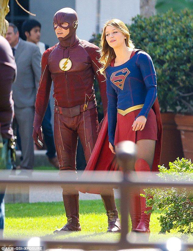 Supergirl Melissa Benoist And The Flash Grant Gustin Film Mash Up Show Supergirl Supergirl And Flash The Flash Grant Gustin