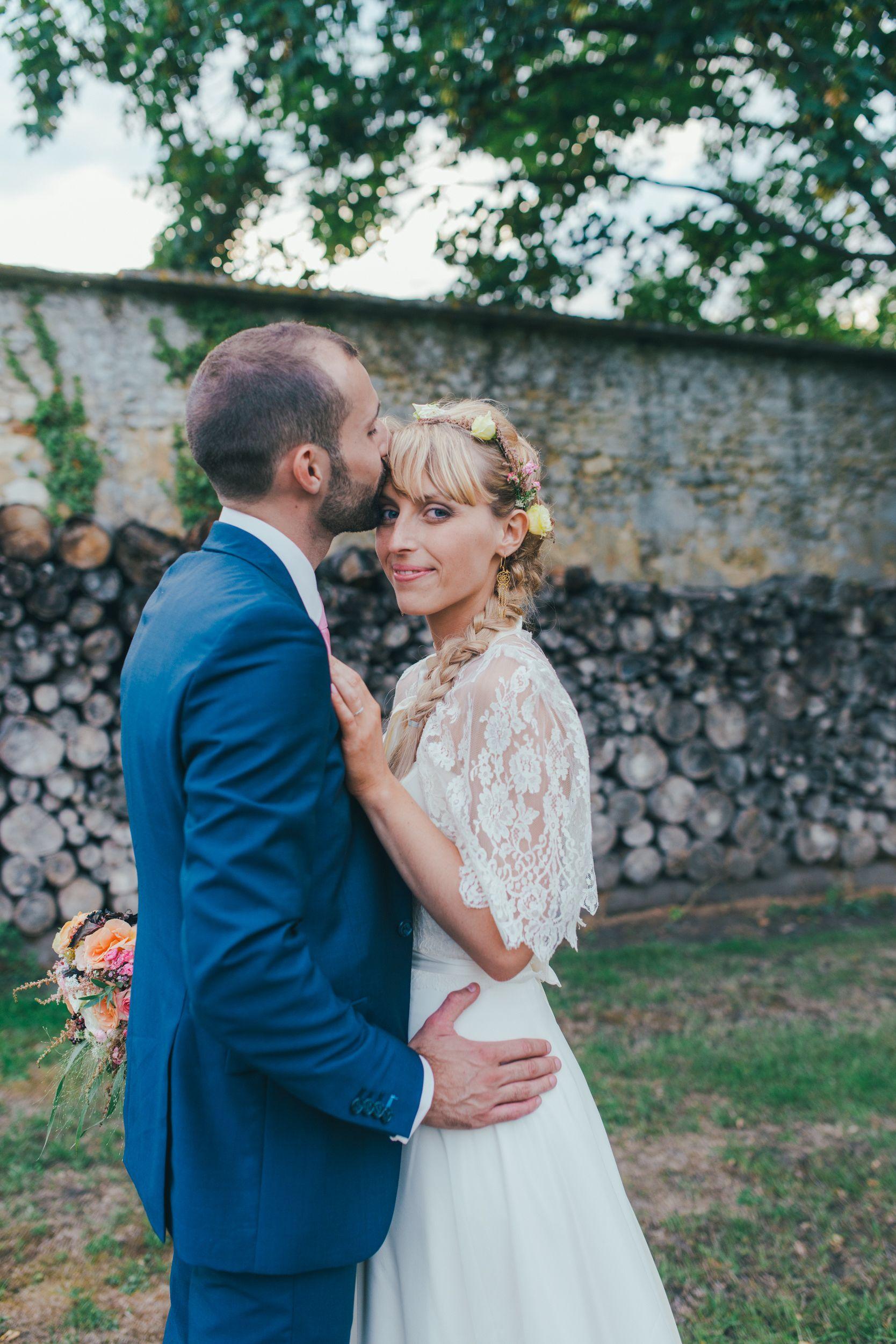 Cécile dans sa robe de mariée sur-mesure Mademoiselle de Guise.  Wedding / Weddingdress / Lace / Paris