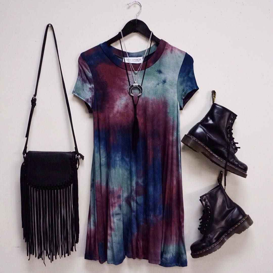 4822bb86f36d91 the PERFECT grunge outfit. Where can I find this tie dye dress ...