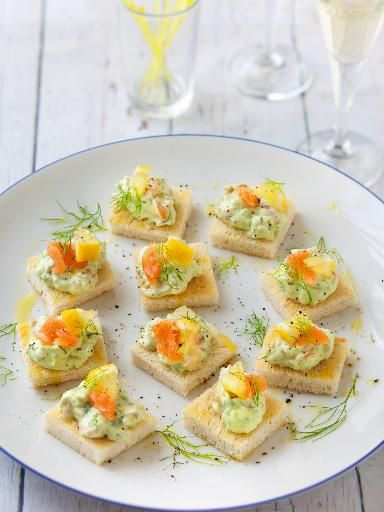 Canap s de cr me de saumon fum l 39 avocat recipe more for Canape saumon