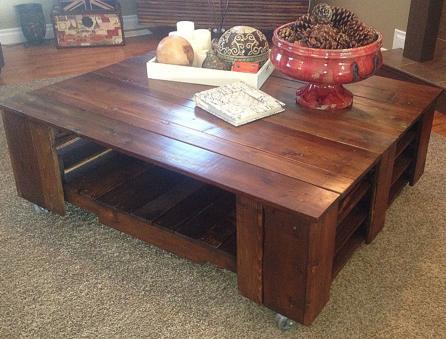 Coffee Tables Out Of Pallets Diy Wood Pallet Coffee Table Be Brave And Wing It People Ours