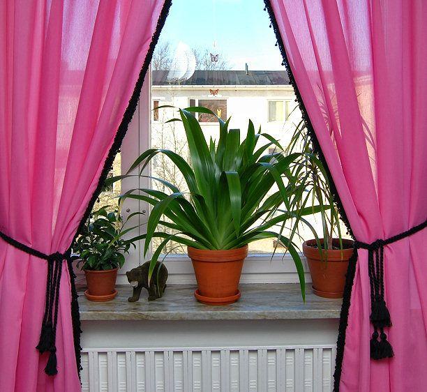 Black Curtain Pom Trim On Pink Yarn Diy