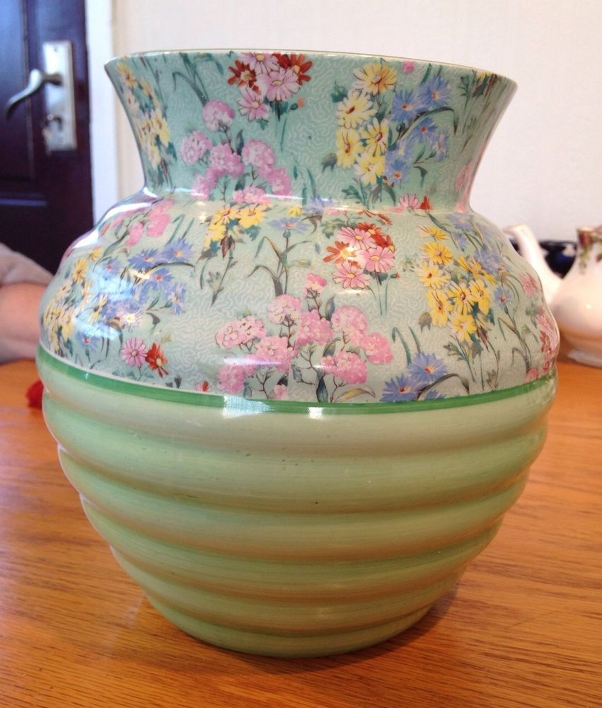 Shelley  Melody  Vase, Approx 20cm Height