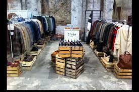 sale retailer d2fbd ca244 Risultati immagini per arredare un negozio di abbigliamento ...