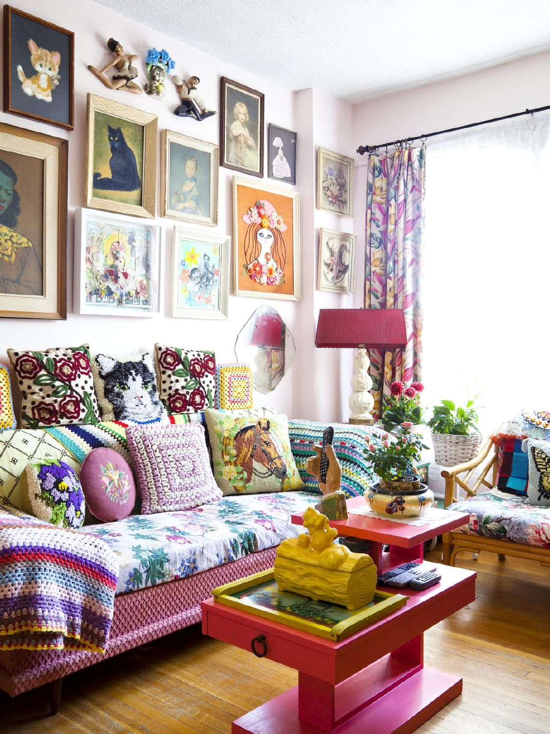 Two friends. Two apartments. Twice the decor fun! Our two-year-anniversary issue.