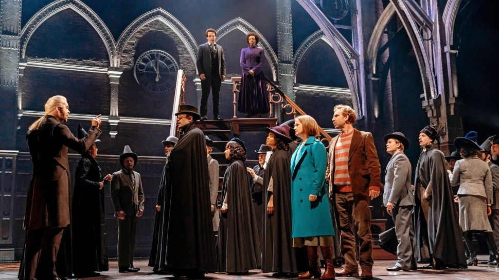 Harry Potter Broadway Production Photo 2018 05 Harry Potter And The Cursed Child Nyc Photo By Manuel Har Harry Potter Broadway Harry Potter Cast Cursed Child