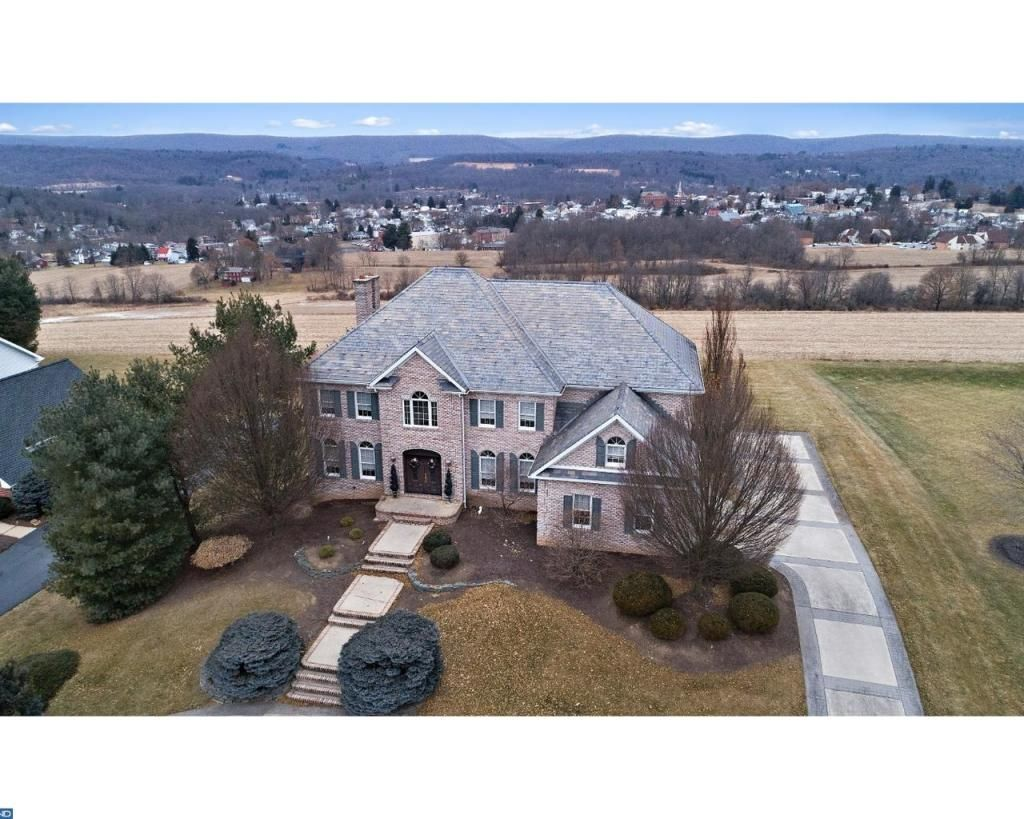 3010 Ridgeview Dr Orwigsburg Pa 17961 A Picture Is Worth A Thousands Words And Views Views Views This Stately Cust With Images Orwigsburg Luxury Property Luxury Homes