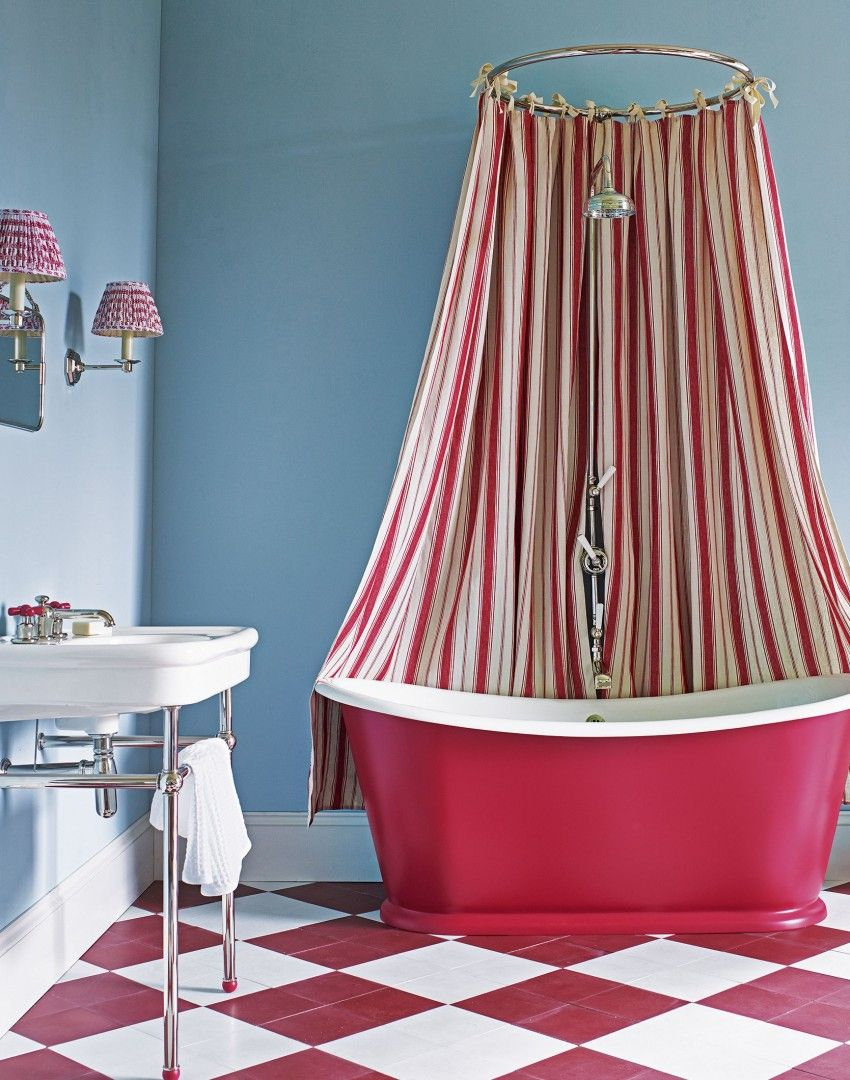 This bathroom (and particularly that shower curtain) reminds us of ...