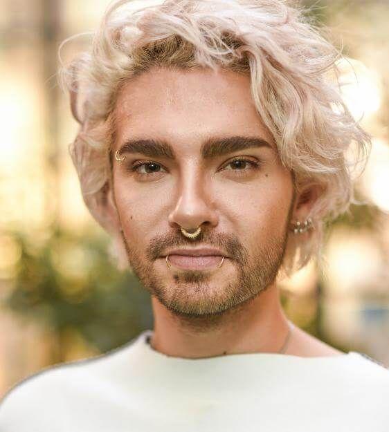 Omg Tokio Hotel Bill Kaulitz Tragt Jetzt Pinke Haare Bill Kaulitz Pinke Haare Neue Frisuren