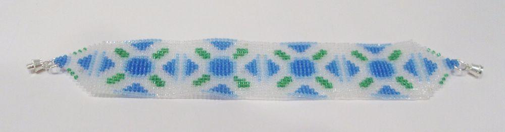 handmade southwest blue flower beaded bracelet #Handmade #Beaded