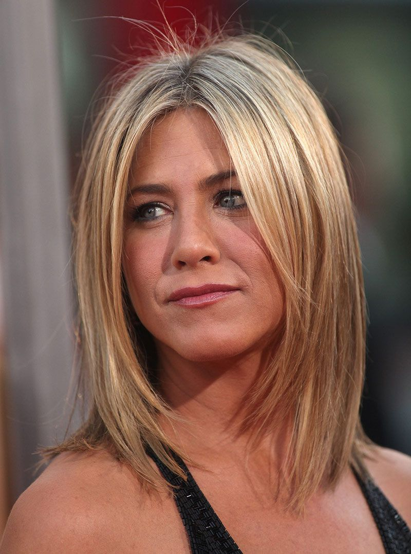 Jennifer Aniston With Straight Short Blonde Bob Hair Nicehair Jennifer Aniston Long Hair Jen Aniston Hair Jennifer Aniston Hair