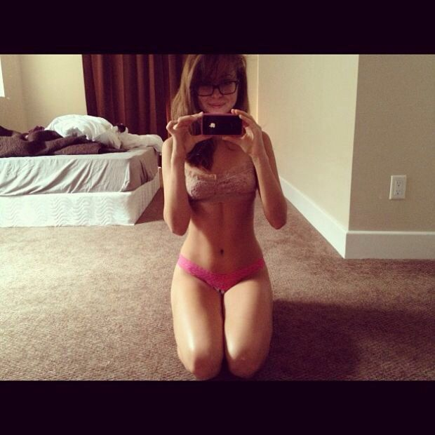 riley reid selfies