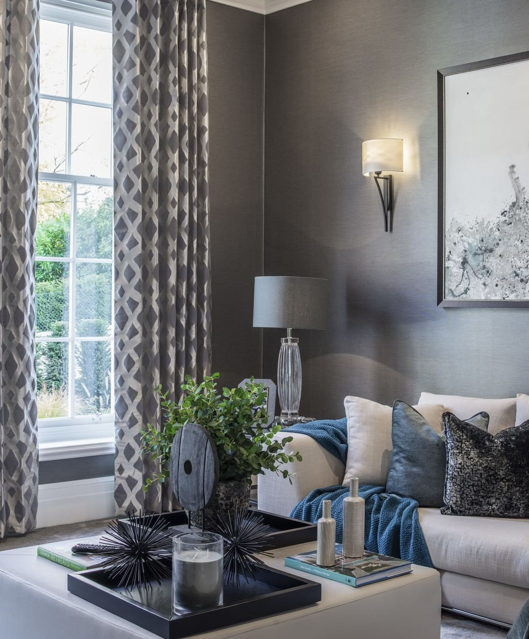Luxurious Teals Pop Against The Crisp Grey Palette Within Our Snug Room Design The Warm Hues Creating A Comforting Cosy Feel Huse Ideer
