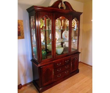 Thomasville Winston Court II Cherry China Cabinet - Thomasville Winston Court II Cherry China Cabinet Feather My