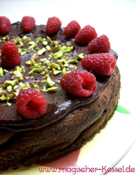 Schokoladenkuchen ohne Mehl: Rezept für Chocolate-Pistachio Cake nach Nigella Lawson
