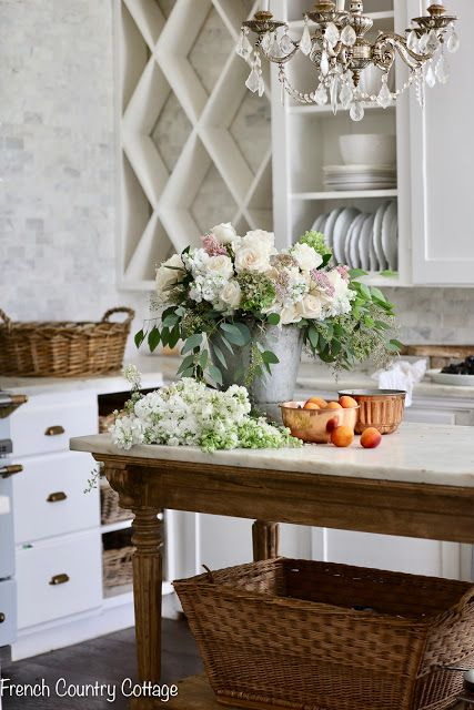 Photo of Elegant Autumn in the kitchen – French Country Cottage