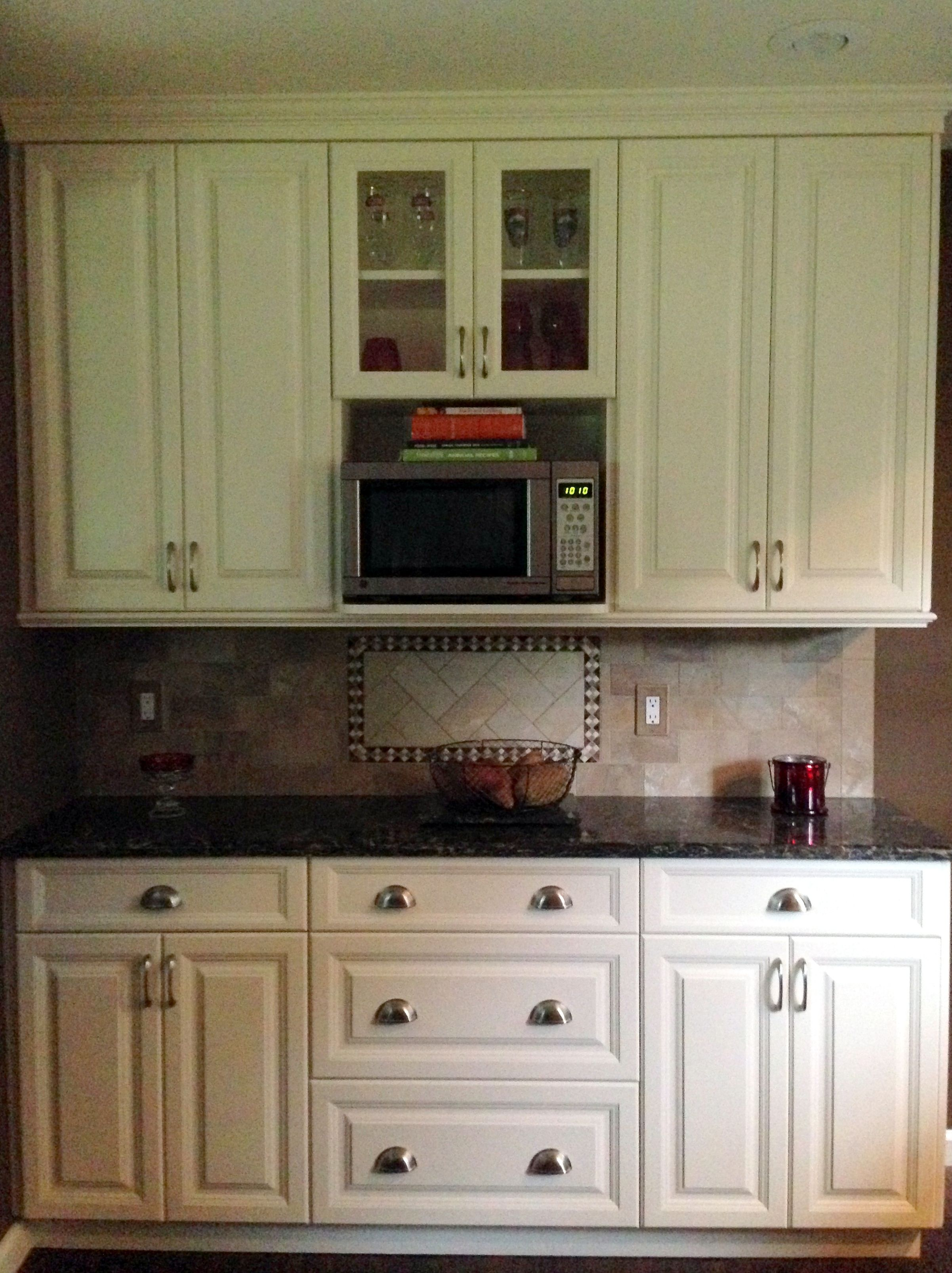 White Millbrook Kitchen With Laneshaw Quartz Countertops (1 Of 10)