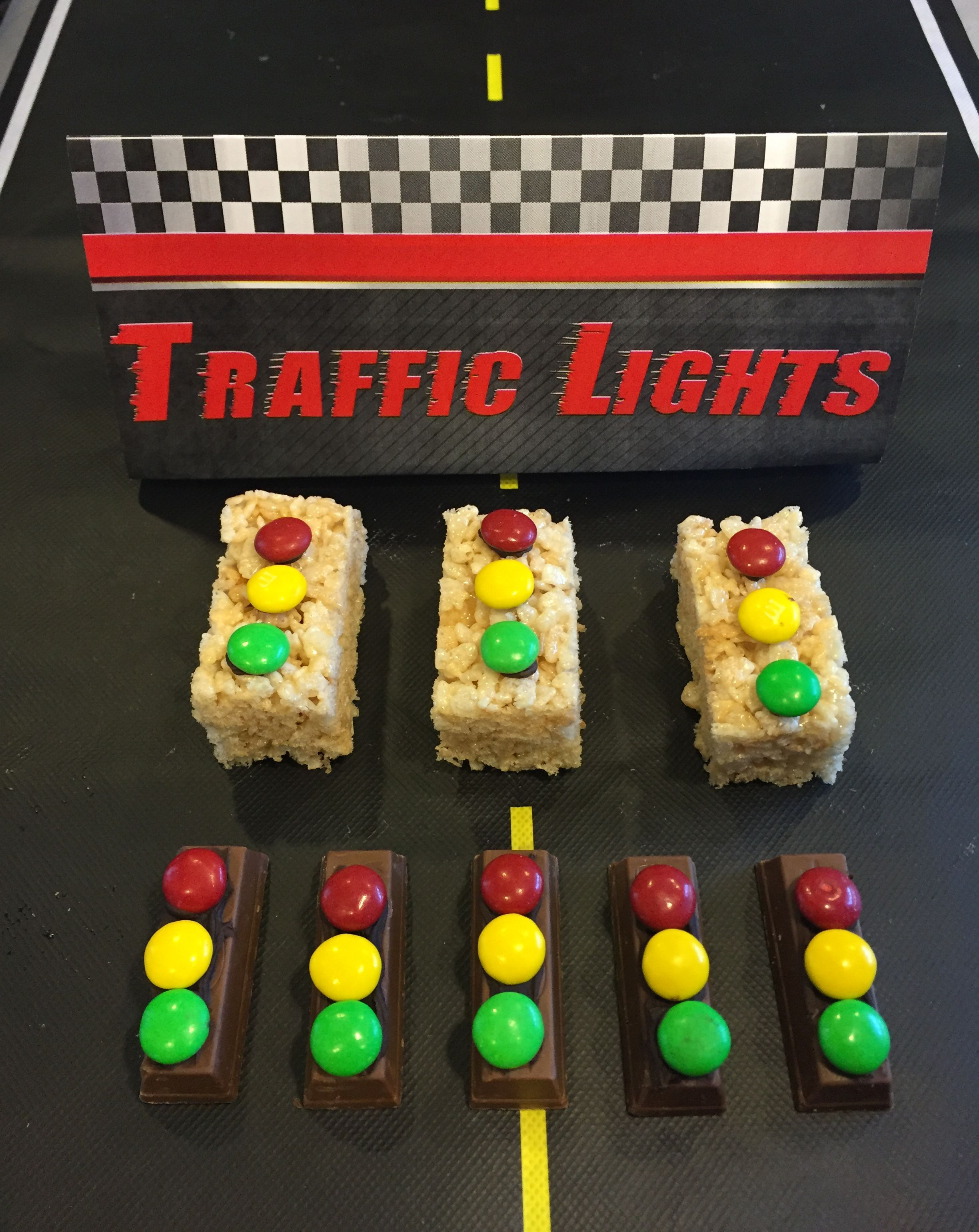 Make traffic lights for your pinewood derby. Stick red, yellow and green candies to candy bars, Rice Krispie treats, brownies or cookies with frosting. Download the table tent sign at www.shac.org/Data/Sites/1/media/activities/cub-scout/pinewood-derby-table-tents.pdf. #cubscouts
