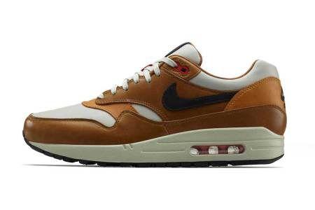 fead07c05f1961 Picture of Nike Sportswear