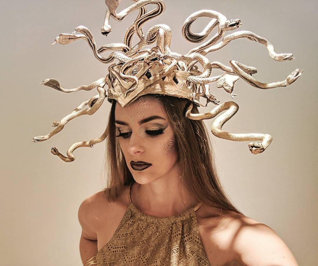 Diy Medusa Headdress Diy Medusa Halloween Halloweenmakeup Diyhalloweencos Medusa Halloween Costume Medusa Halloween Halloween Costumes Makeup