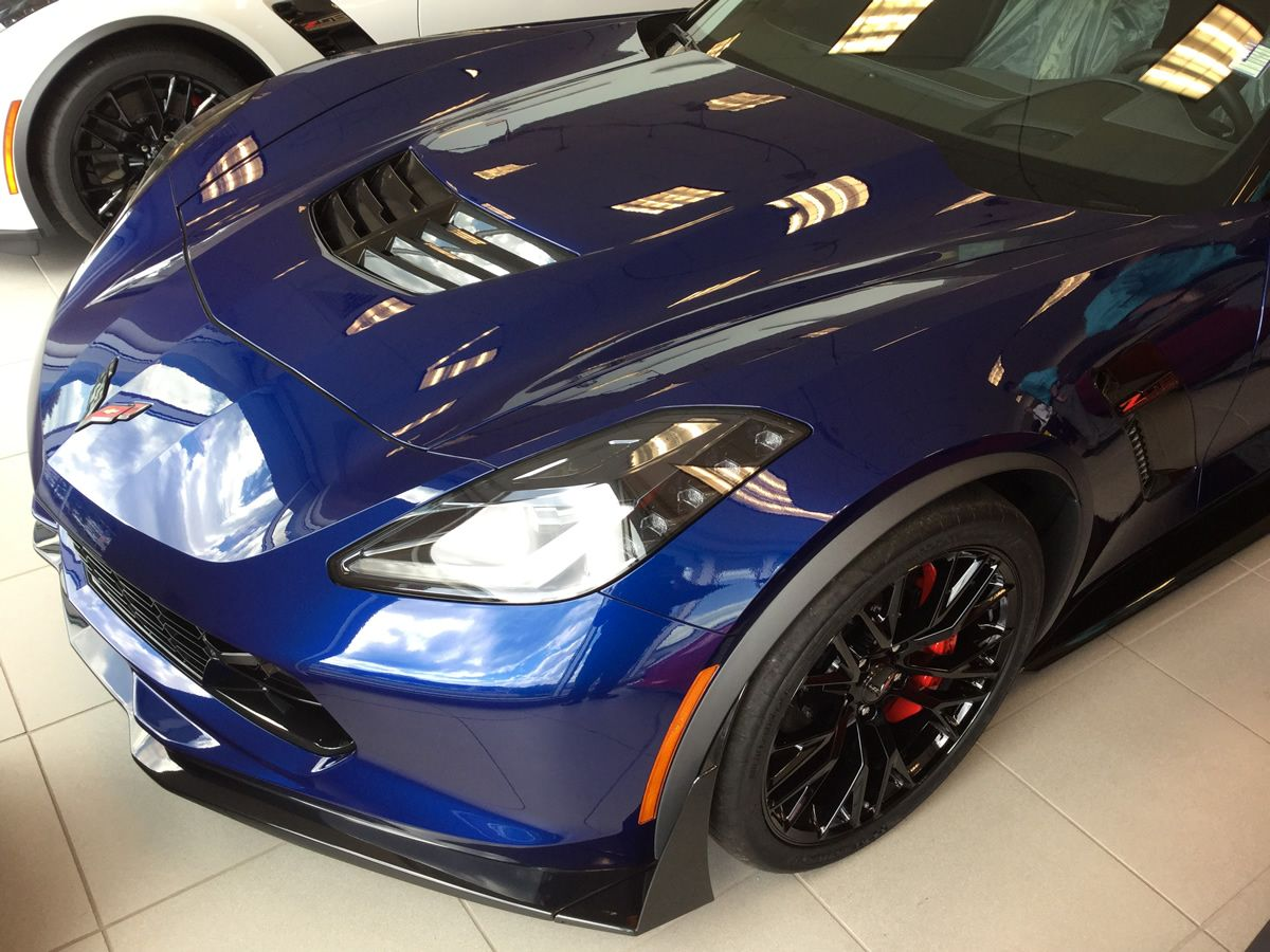 2016 Corvette Z06 With Admiral Blue Metallic Paint Dark Gray Leather Interior 3lz Trim Package Carbon Fiber Roof Panel And Corvette Z06 Corvette Roof Panels