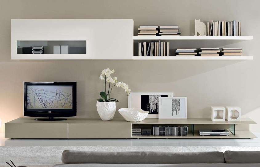 Arredare il soggiorno con il color tortora - Parete attrezzata tortora e bianca  Parete ...