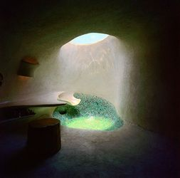 Organic shower - Earth sheltered home, designed by the Mexican Architect Javier Senosiain and build in Naucalpan in 1985.
