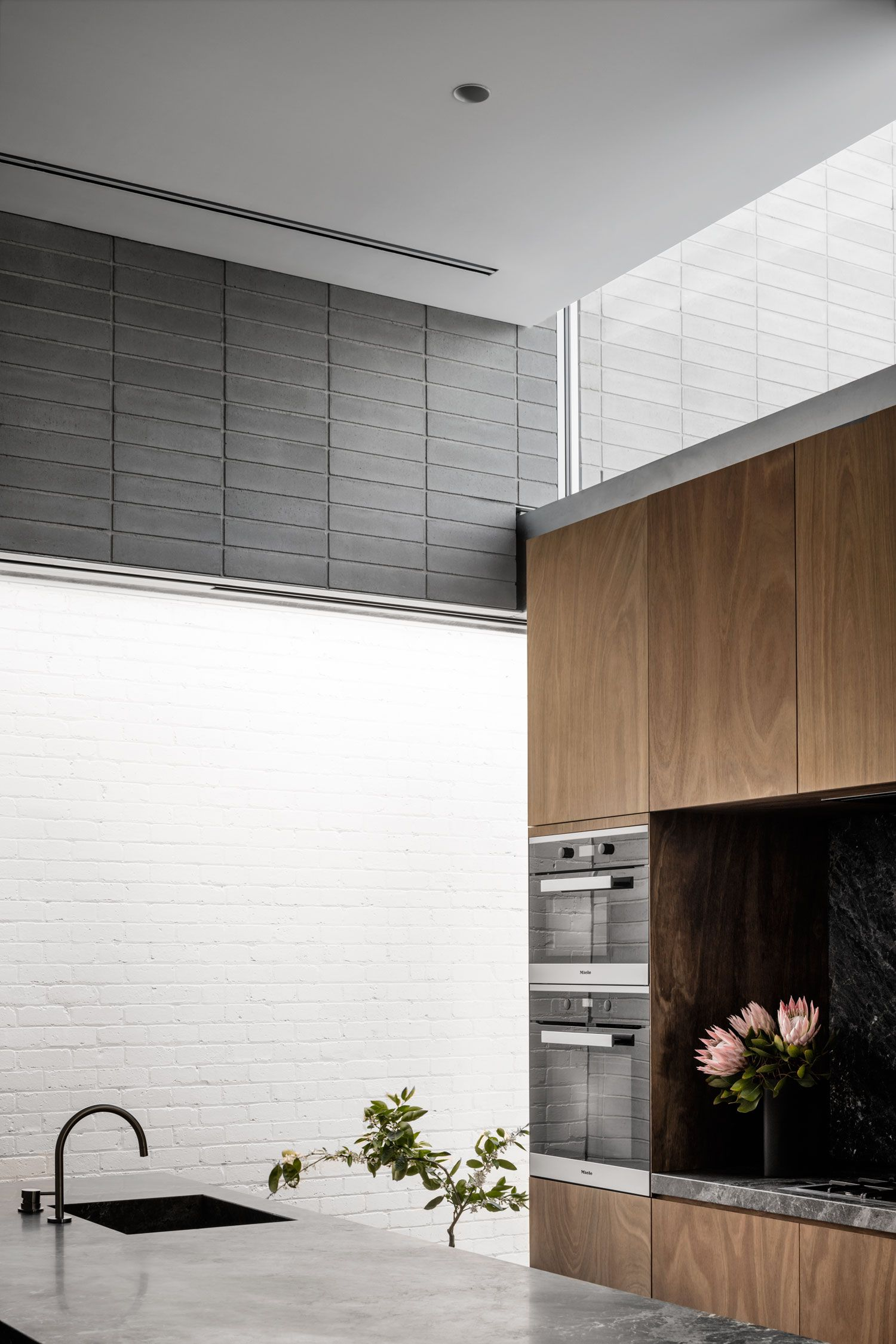 Highbury Grove House by RITZ&GHOUGASSIAN | Living ideas ~ K ...