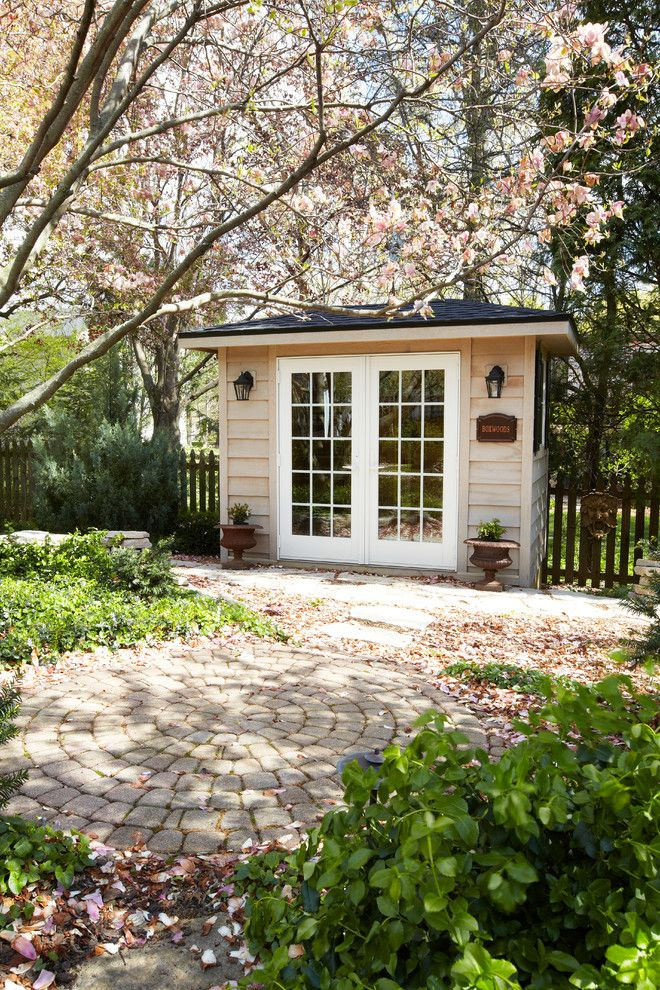 Amazing french maid decorating ideas for arresting garage for Traditional garden buildings