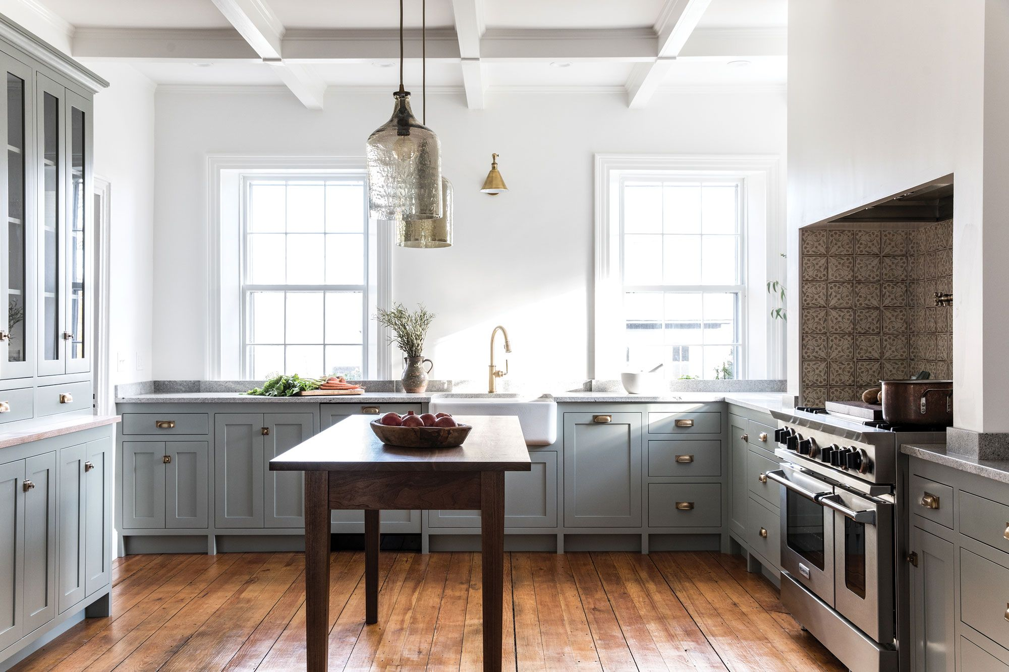 2019 Maine Homes Design Awards Official Winners Kitchen Design Timeless Kitchen Shaker Style Kitchens