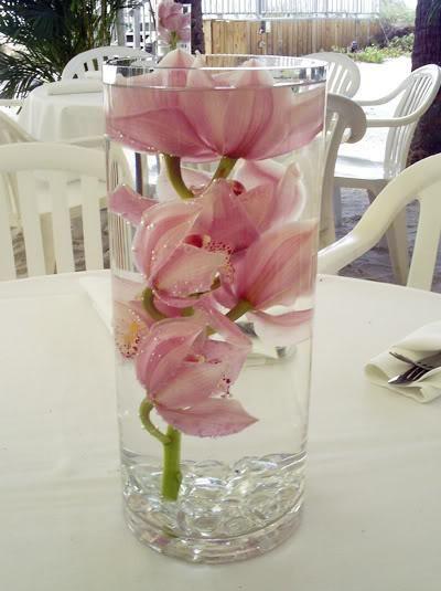 Esküvői asztaldísz ötletek, az elegáns egyszerű!