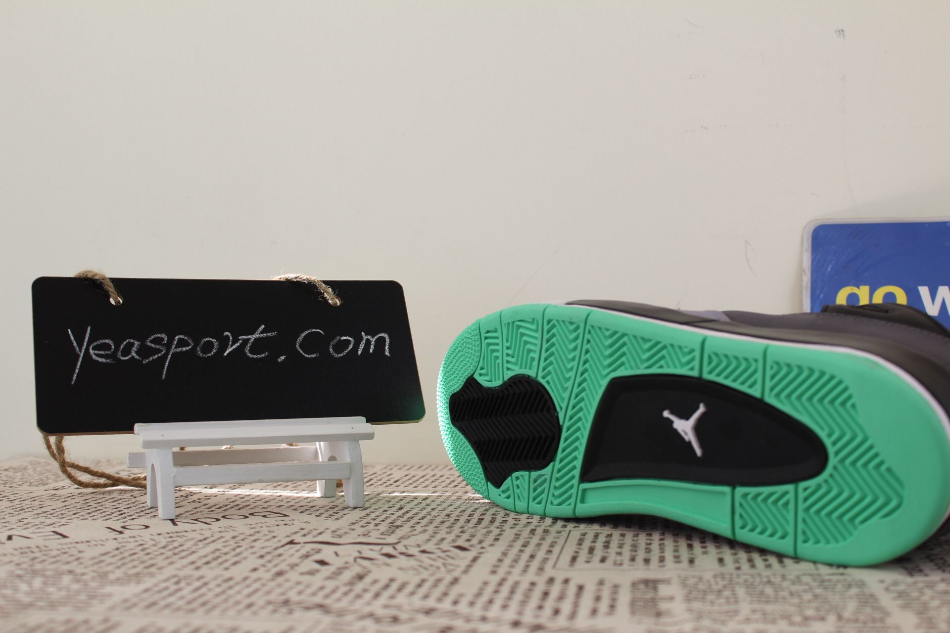on sale 241f1 38af3 ... germany air jordan 4 retro green glow gs 408452 033 e7aec 04527