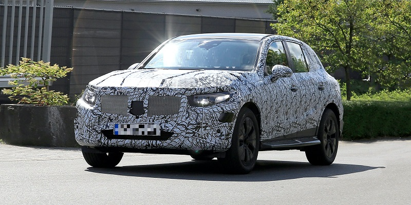 All New 2022 Mercedes Glc Next Gen Suv Spotted Testing Electric Drivetrain Us Suvs Nation Small Suv Drivetrain Concept Cars