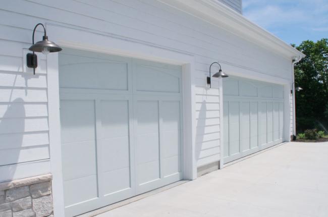 10 Astonishing Ideas For Garage Doors To Try At Home Garage Door Design Modern Garage Doors Garage Door Styles