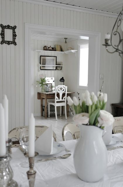 vase, pult og hyller