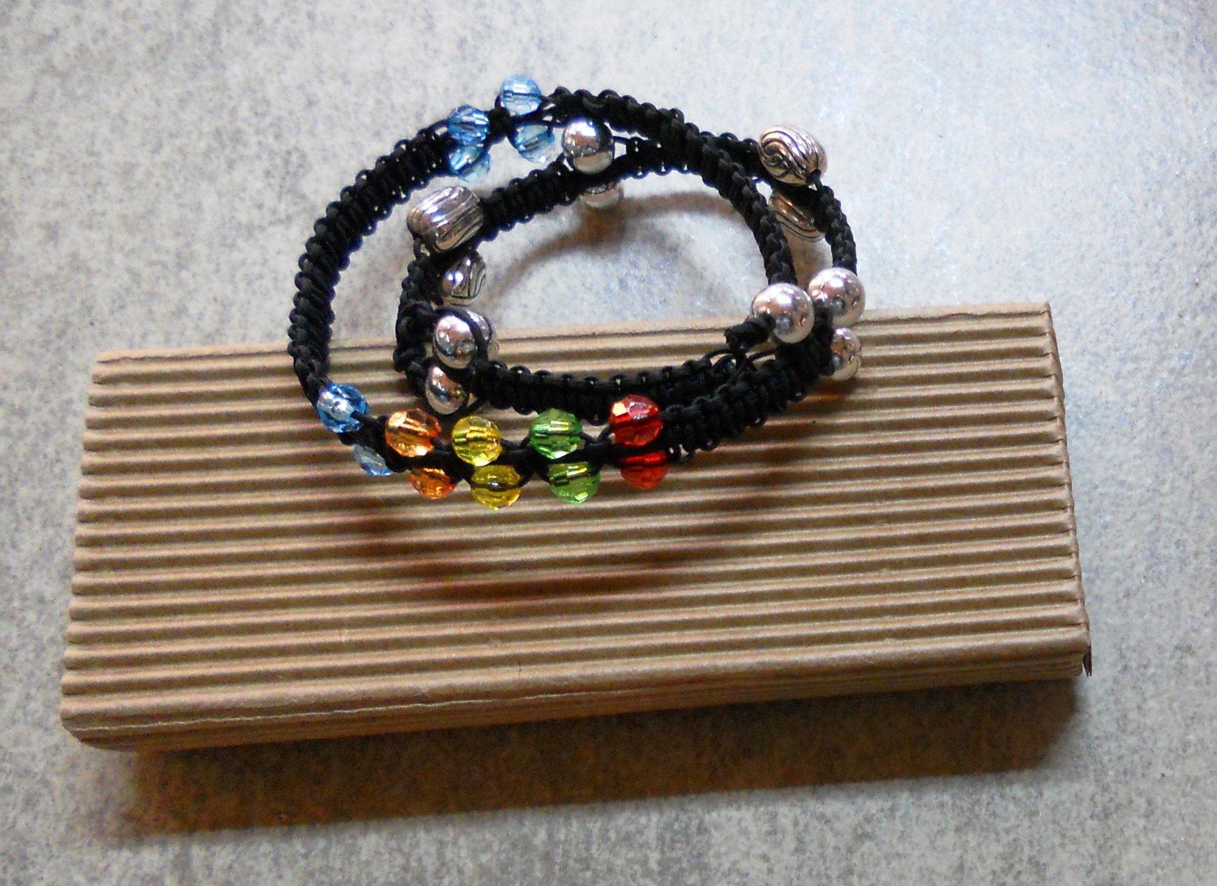 makrame bracelet with metallic and plastic beads | Lily-ko ...