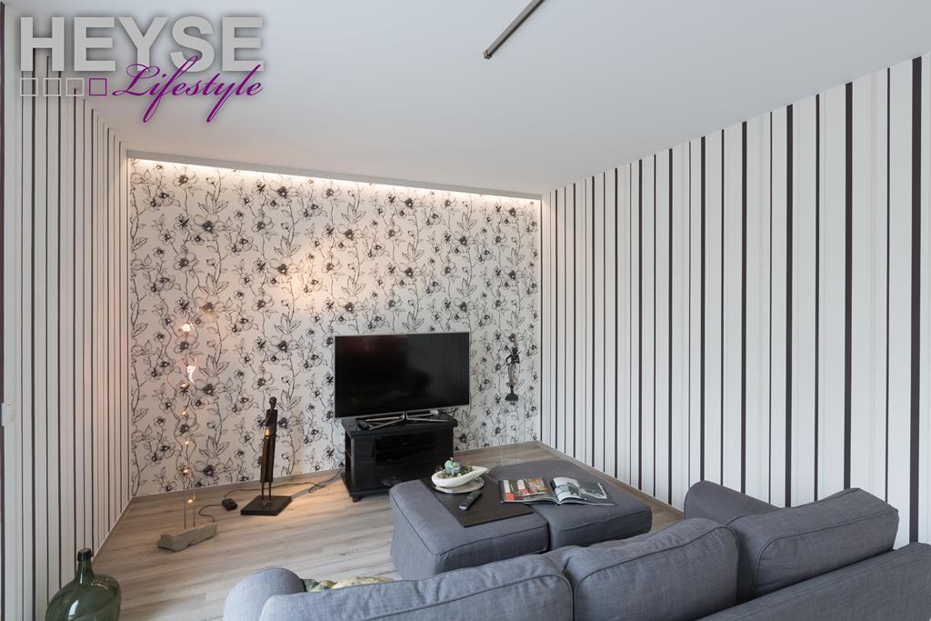 Tapete für das Wohnzimmer   wwwmaler-heysede/leistungen