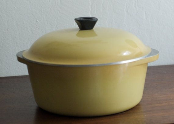 Vintage Club Cookware Dutch Oven Harvest Gold Enamel Cast Aluminum Pots And Pans Aluminum Dutch Oven Classic Kitchens