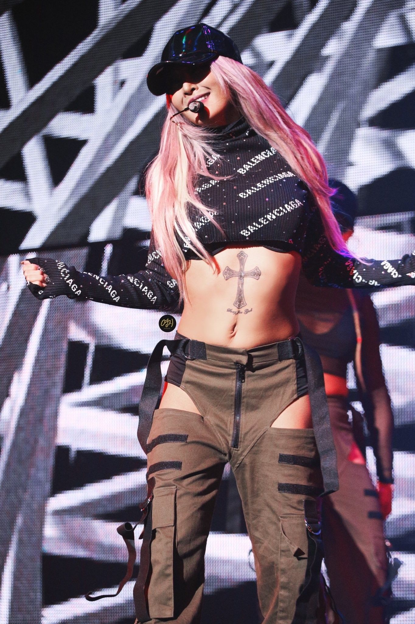 Pin By We Are One Idols On Hyolyn Kpop Outfits Kpop Girls Girl Outfits