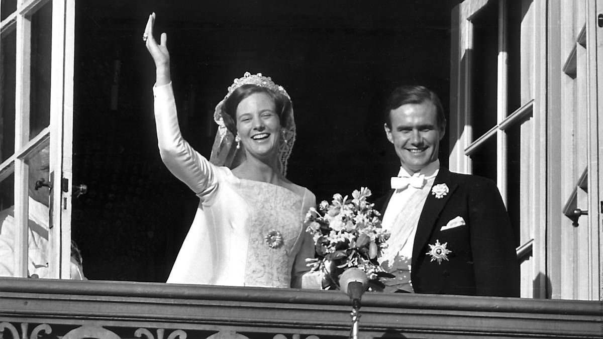 I dag kan regentparret fejre 47 års bryllupsdag.
