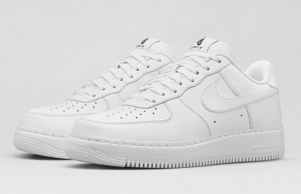 nike mid air force 1 white low