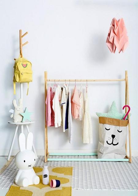 Colgadores de ropa para habitaciones infantiles colgadores de ropa habitaci n infantil y - Colgadores de ropa de pared ...