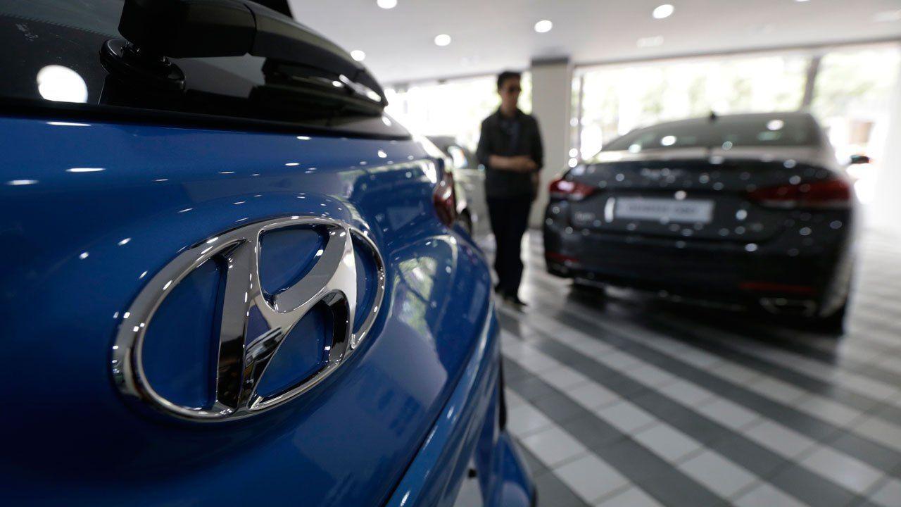 Hyundai takes on Tesla, plans electric luxury car