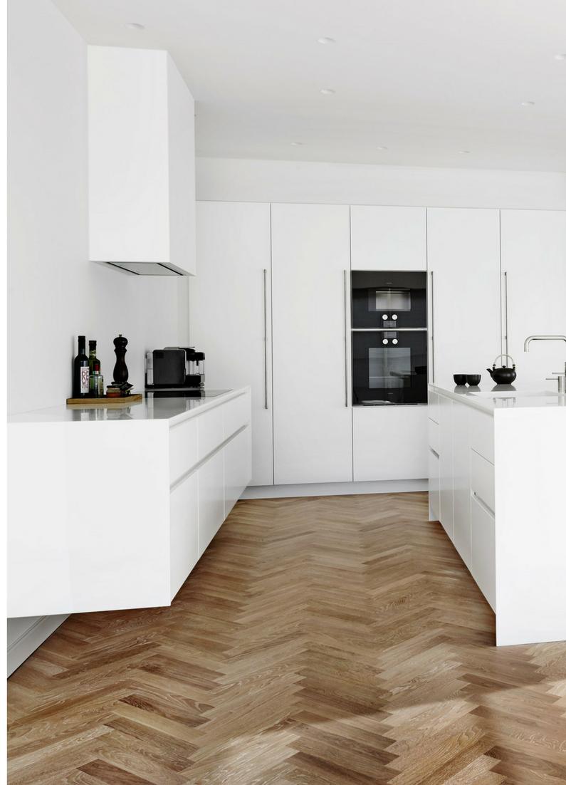Perfekt Küche, Holzboden, Fußboden, Küchenboden, Holz, Fischgrät, Parkett,  Parkettboden,